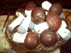 Meduoliniai grybukai gingerbread mushroom