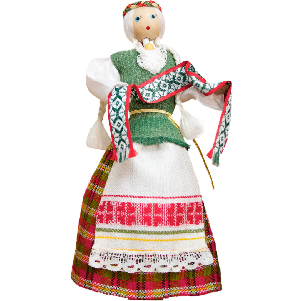 Wooden_Doll_With_Traditional_Lithuanian_Clothing